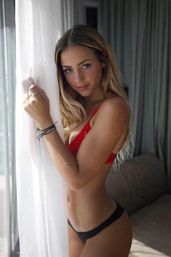 Prostitutes Kyiv : Aleksandra